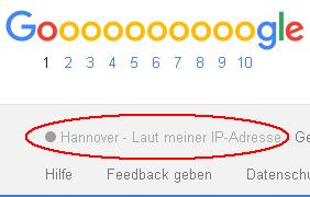 Abbildung von der Ermittlung des Standortes anhand der IP-Adresse eines Nutzers in den organischen Suchergebnissen von Google